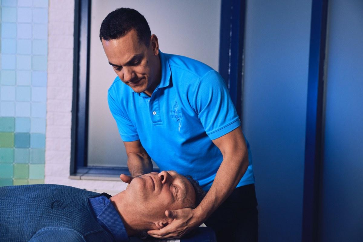 Nekpijn en armpijn bij volwassenen verhelpen Chiropraktijk Blaauw