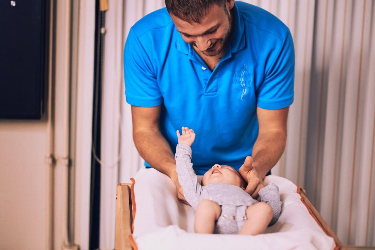 Klachten wervelkolom baby's verhelpen bij Chiropractie Blaauw